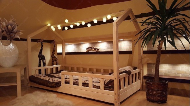 Lit cabane Bella avec barrière 60 x 120cm